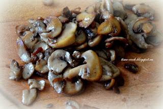 Салат курица+грибы+ржаные сухарики