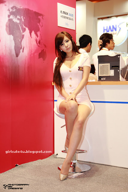 Ryu-Ji-Hye-SIDEX-2011-11-very cute asian girl-girlcute4u.blogspot.com