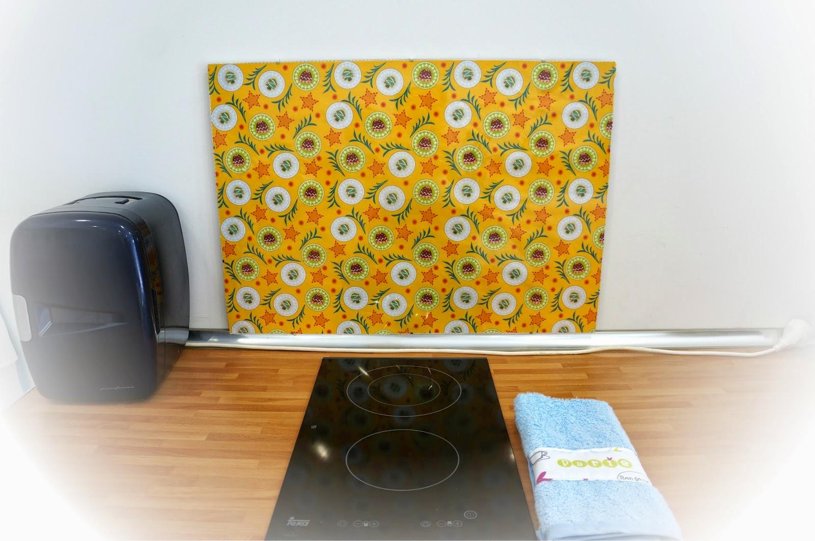 Ilatela diy como hacer un protector de pared para la cocina - Protector antisalpicaduras cocina ...