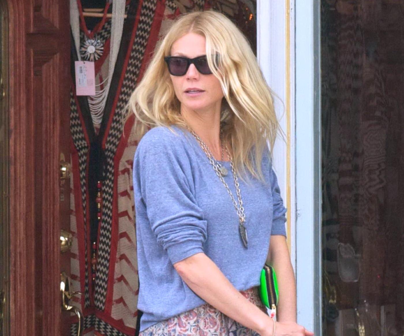 http://3.bp.blogspot.com/-Dg0jSreA97M/T6jr1so6gWI/AAAAAAAAEfU/INVcmQ6Cm2w/s1600/Gwyneth+Paltrow-Beverly-Hills-2012-00.jpg