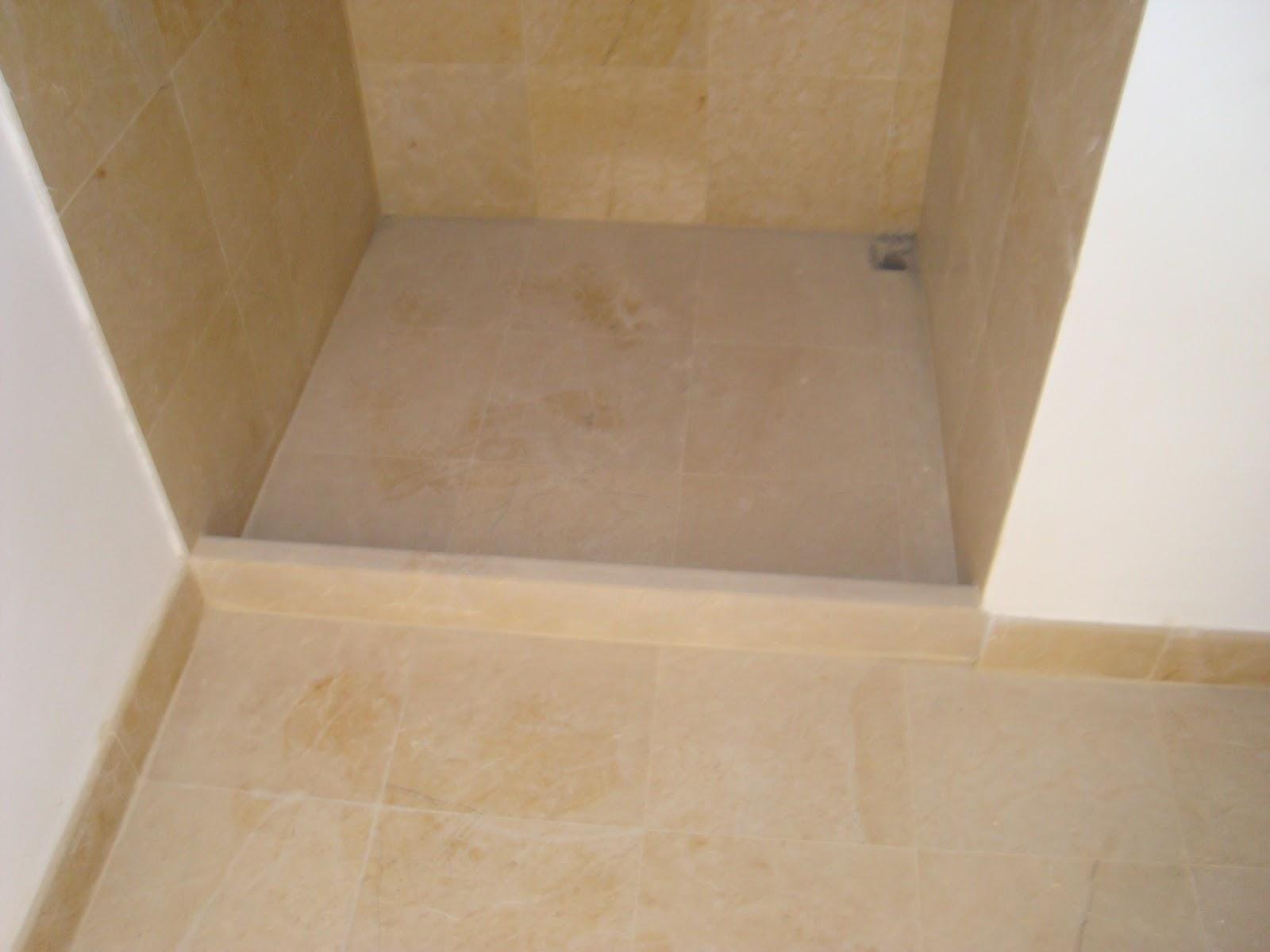Roman de la rosa romero ba os forrados con marmol for Con que limpiar el marmol