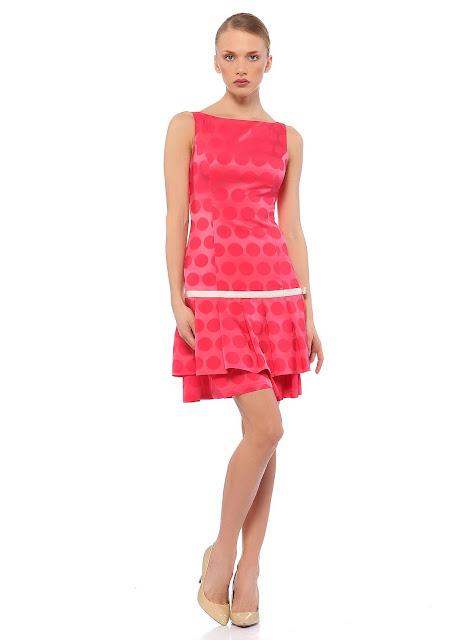 fırfırlı puantiyeli pembe kısa elbise