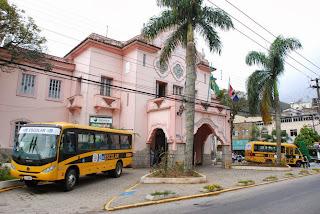 Teresópolis ganha ônibus do Governo do Estado