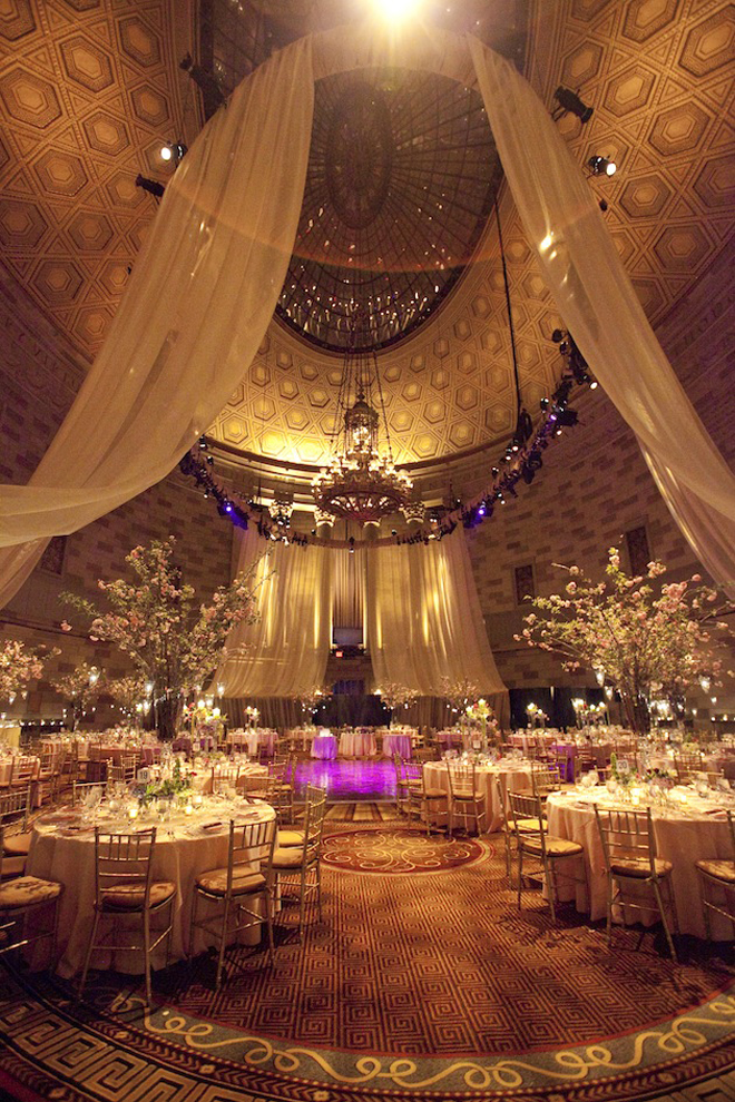 Dapals 39 zone your dream wedding reception decor for Wedding venue decoration ideas pictures