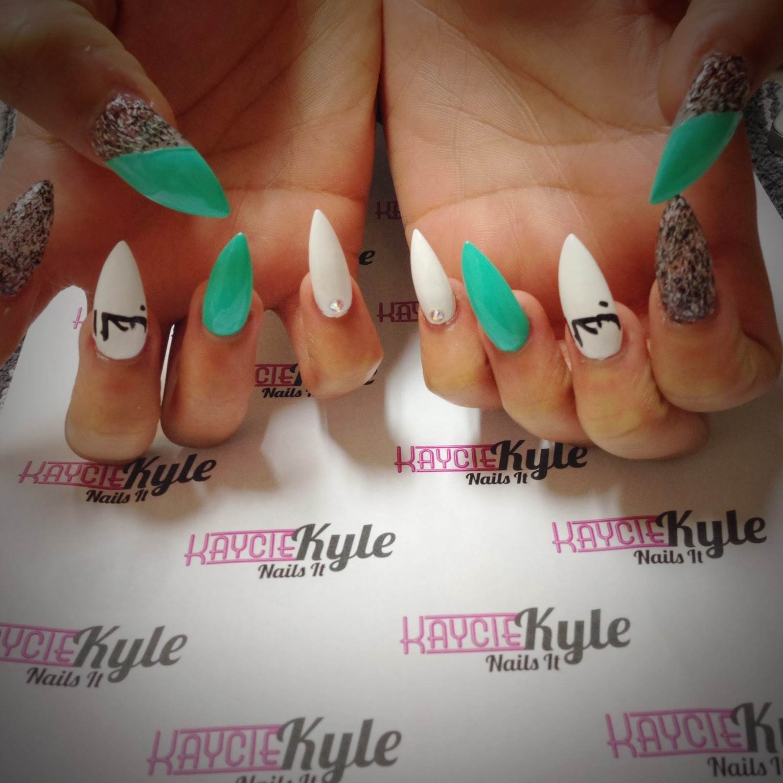 Above This Design Was Inspired By L Paris Nails On Instgram The Middle Finger Has A