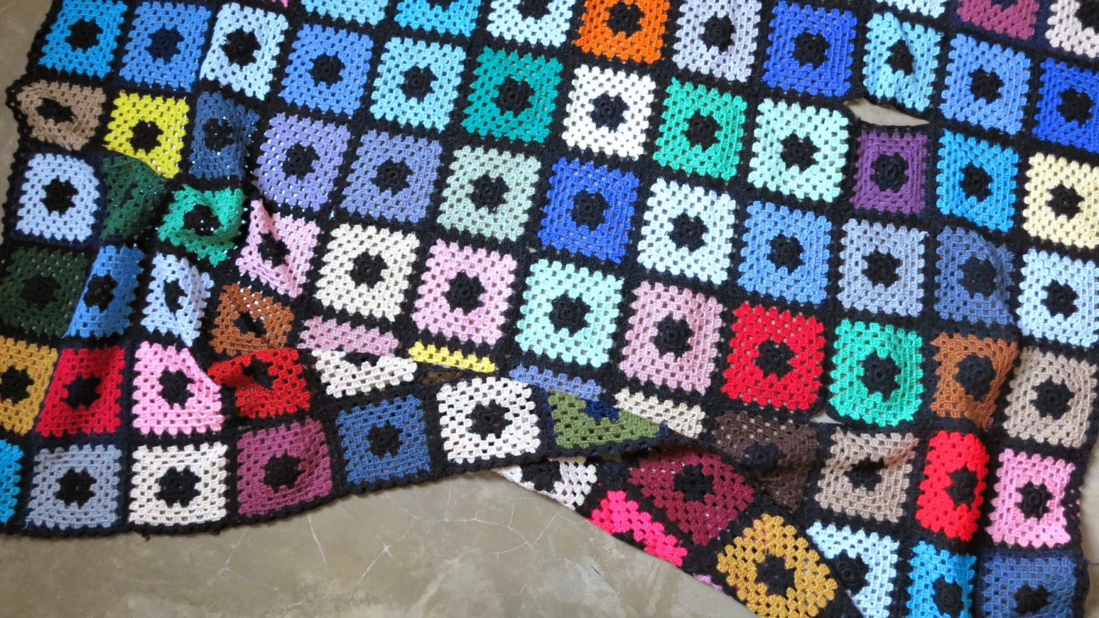ByHaafner, vintage granny square blanket, bright colours, crochet