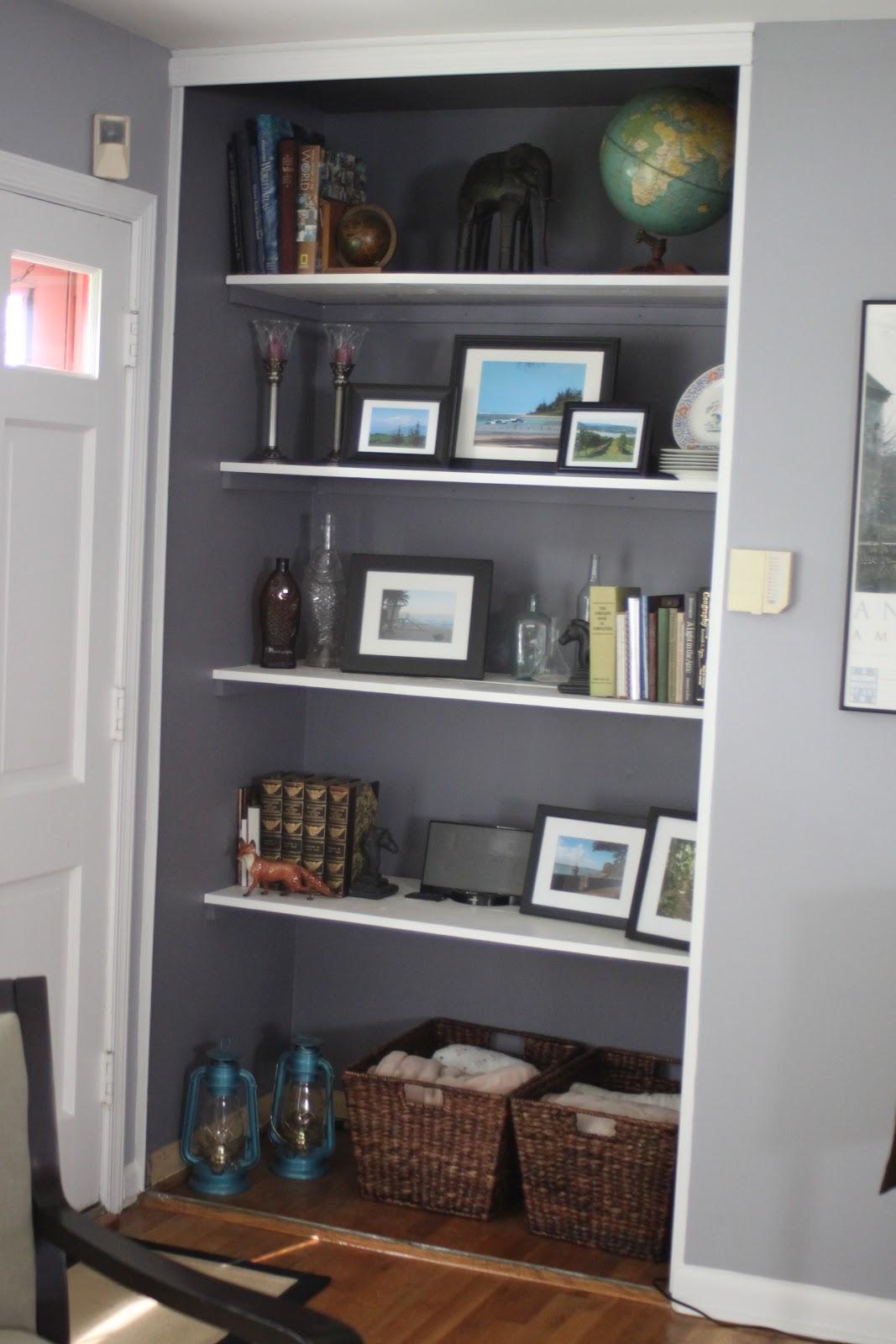 meadowvale finds built in shelves. Black Bedroom Furniture Sets. Home Design Ideas