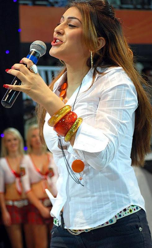 Actress Hansikamotwani HQ Photos in White Shirt cleavage
