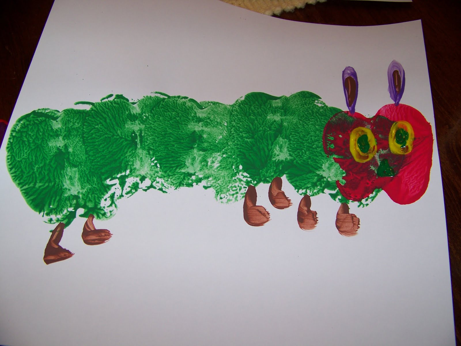 Sassy sites very hungry caterpillar for Caterpillar crafts for preschoolers