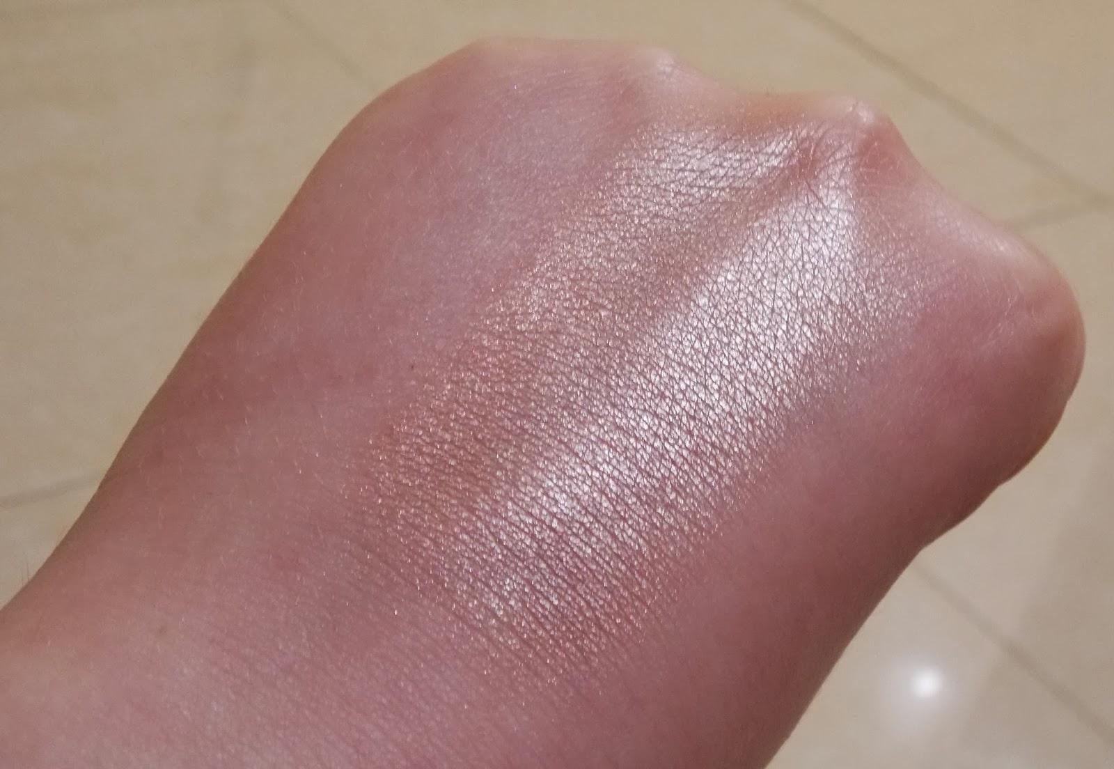 Mac Mineralise Skin Finish Soft and Gentle, MAC, Mac Cosmetics, How to give your skin a healthy glow, healthy glow, Glowing skin