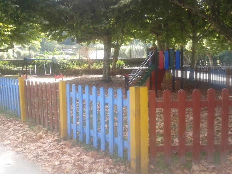 Parque Infantil junto á Praia Fluvial de Sandomil
