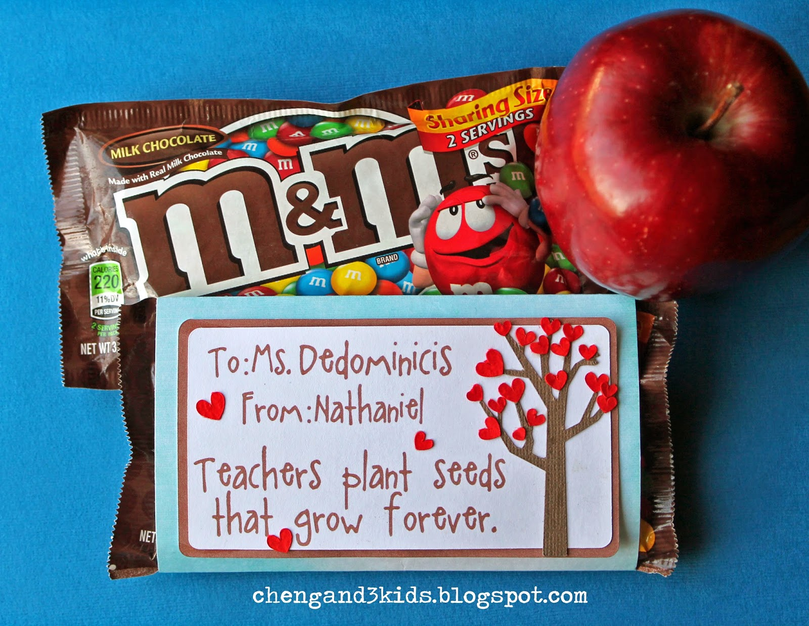 M&M's Teacher Gift by chengand3kids.blogspot.com #teachergift #teacherappreciationday #giftidea
