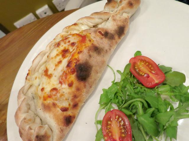 Azzuro Gunwharf Quays Italian Restaurant Food Calzone