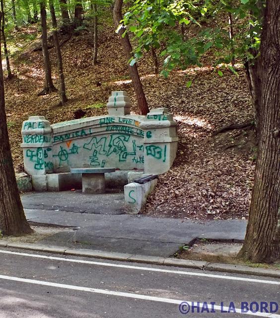 banca graffiti trivale pitesti