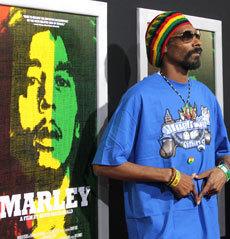 Snoop Dogg muda de nome depois de renascer na Jamaica