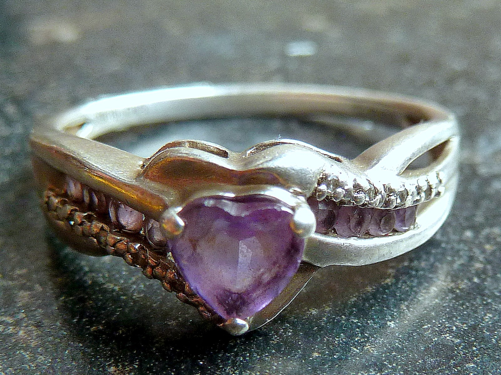 http://www.kcavintagegems.uk/silver-diamond-and-amethyst-candy-hearts-ring-139-p.asp