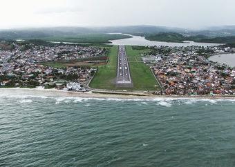 Passageiros tem voo cancelado e aguardam por mais de 20 horas no aeroporto de Ilhéus.