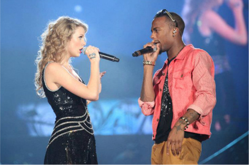 B.o.b feat. Taylor Swift - Both Of Us lyrics