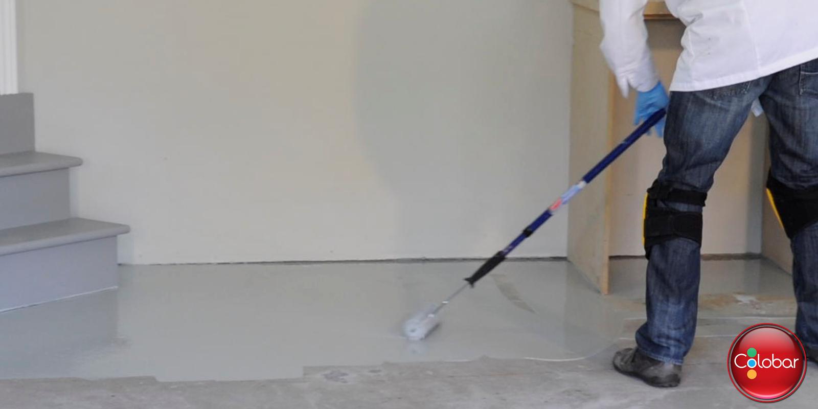Colobar peinture et d coration comment appliquer l poxy 100 solide sur un plancher de ciment for Peinture effet beton sur bois