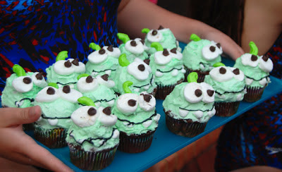 Om Nom (cut the rope) cupcakes