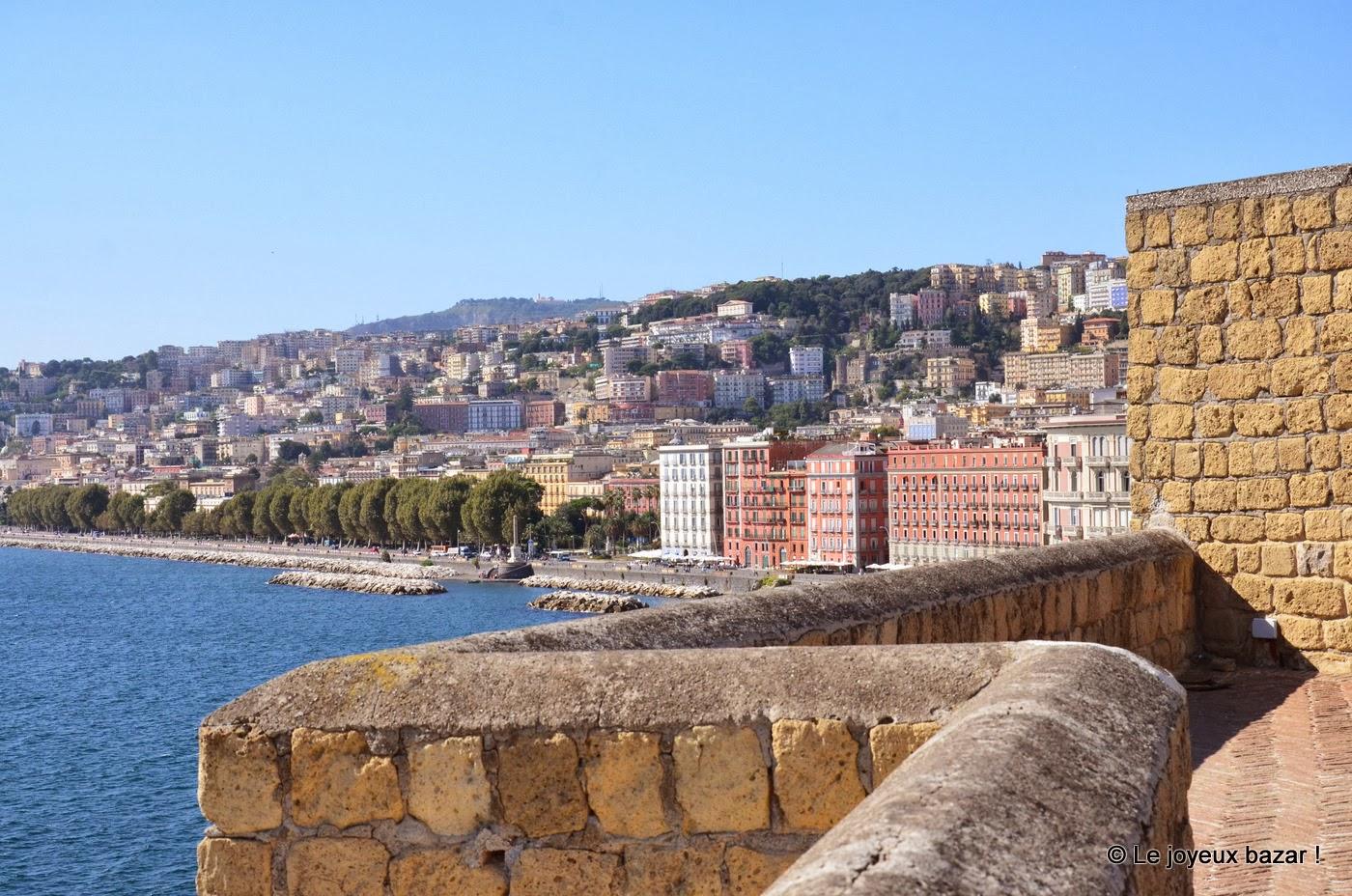 Vue sur Naples depuis le Castel dell Ovo