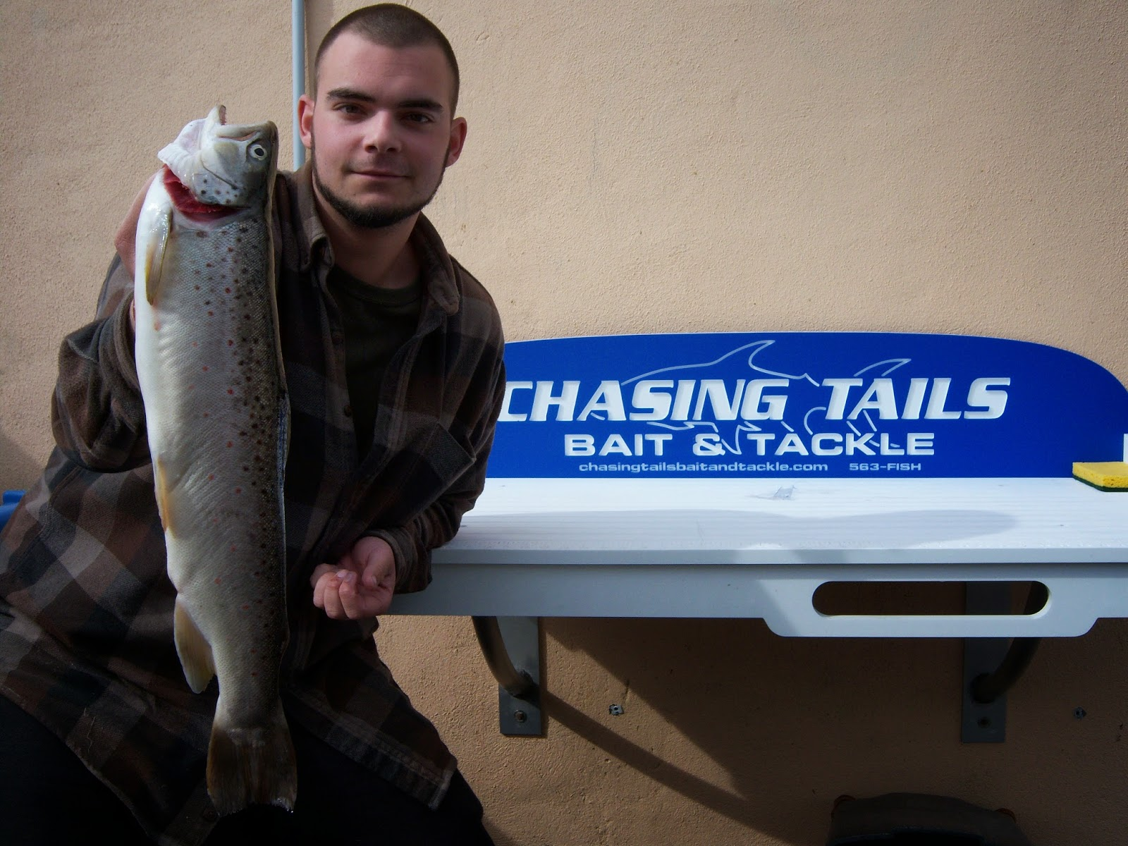 New leader chasing tails bait tackle for Chasing tails fishing report