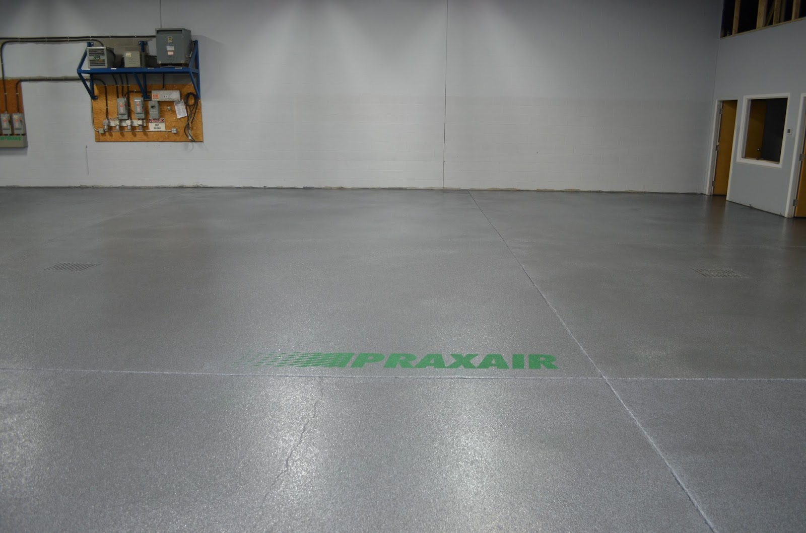 Mode concrete epoxy floors are super strong affordable for Concrete floor coatings