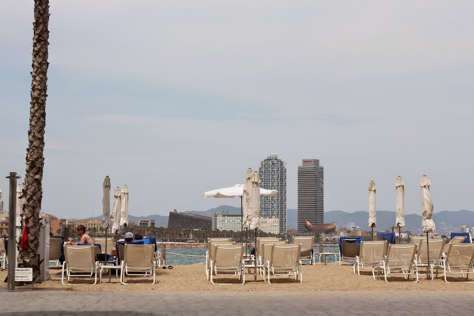Addict smile lifestyle y moda en barcelona salt for Beach club barcelona