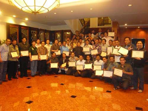 Foto Seminar Cipto Junaedy di Surabaya
