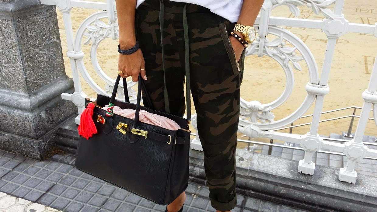 La Concha, Donostia, Street Style, Carmen Hummer, Look, Pantalones Camo, Top Leyre Valiente, DFW2014,  Isadora Comillas, Cool, Fashion Blogger, Lifestyle, Travel