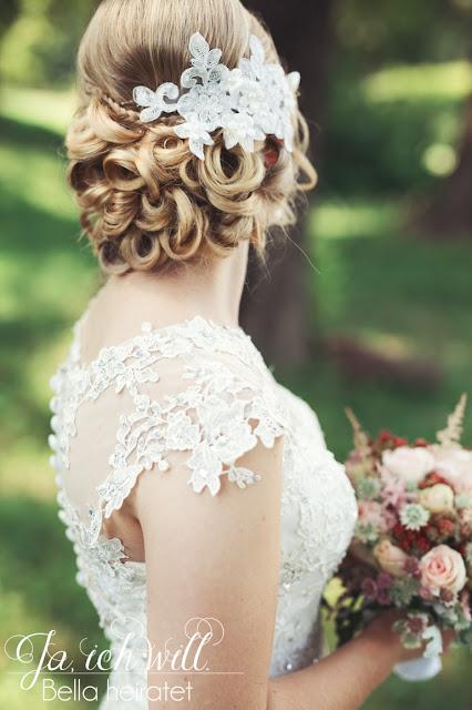 Braut Frisur Kleid Spitze