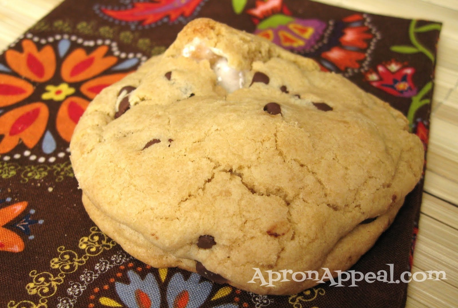 Apron Appeal: S'mores Stuffed Chocolate Chip Cookies