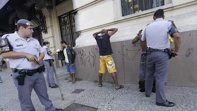 Polícia Paulista - Um Asno