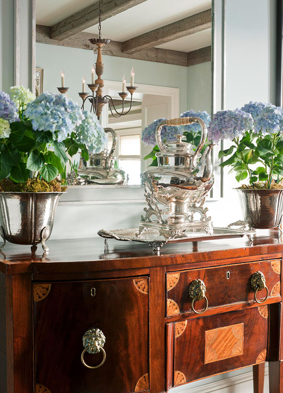 Home design magazines 30 heavenly reasons why i love for Dining room sideboard decorating ideas
