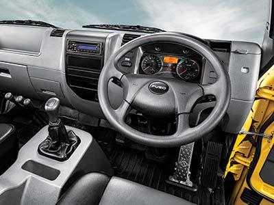Kenyamanan Interior Mitsubishi Fuso FI 1217