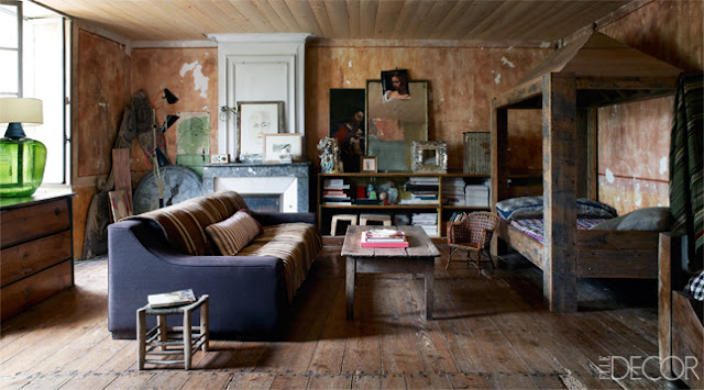 blog.oanasinga.com-interior-design-photos-farmhouse-living-room-mathilde-labrouche-france border=