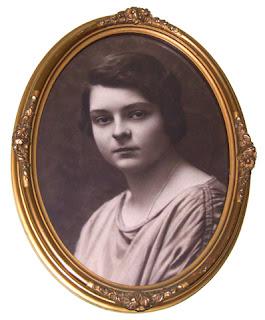 Ludmiła Wróblewska, żona leśniczego Eugeniusza Wróblewskiego - gospodyni wigilii.