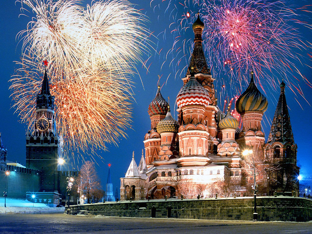 Kremlin and Red Square Fireworks, Moscow, Russia || Top Wallpapers Download .blogspot.com