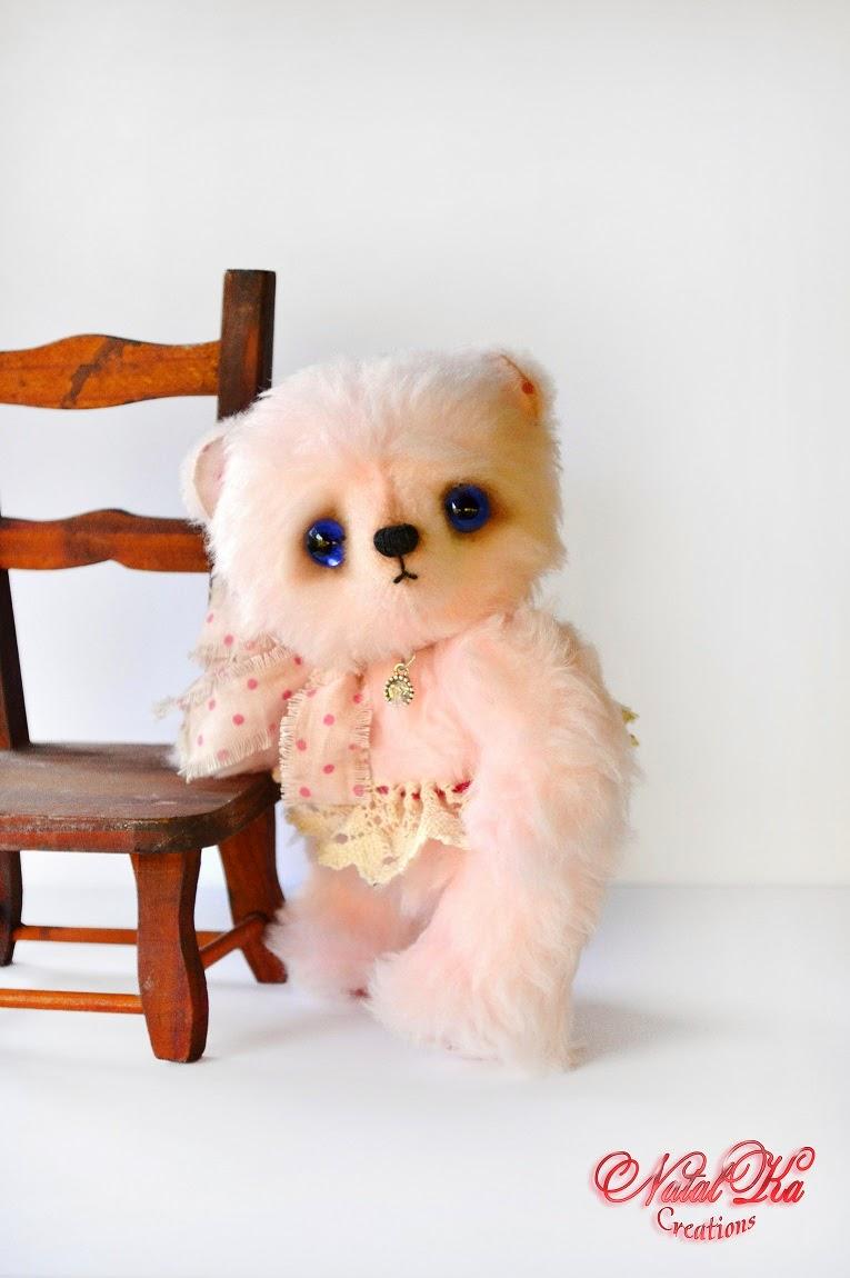 Künstlerbär Teddy rosa handgemacht von NatalKa Creations. Artist teddy bear pink handmade by NatalKa Creations