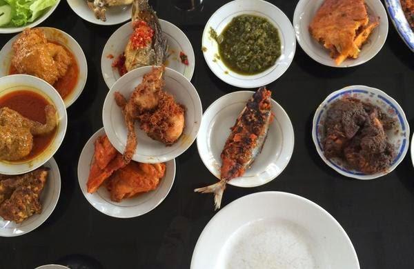Kuliner Bukittinggi di Rm Gonraya