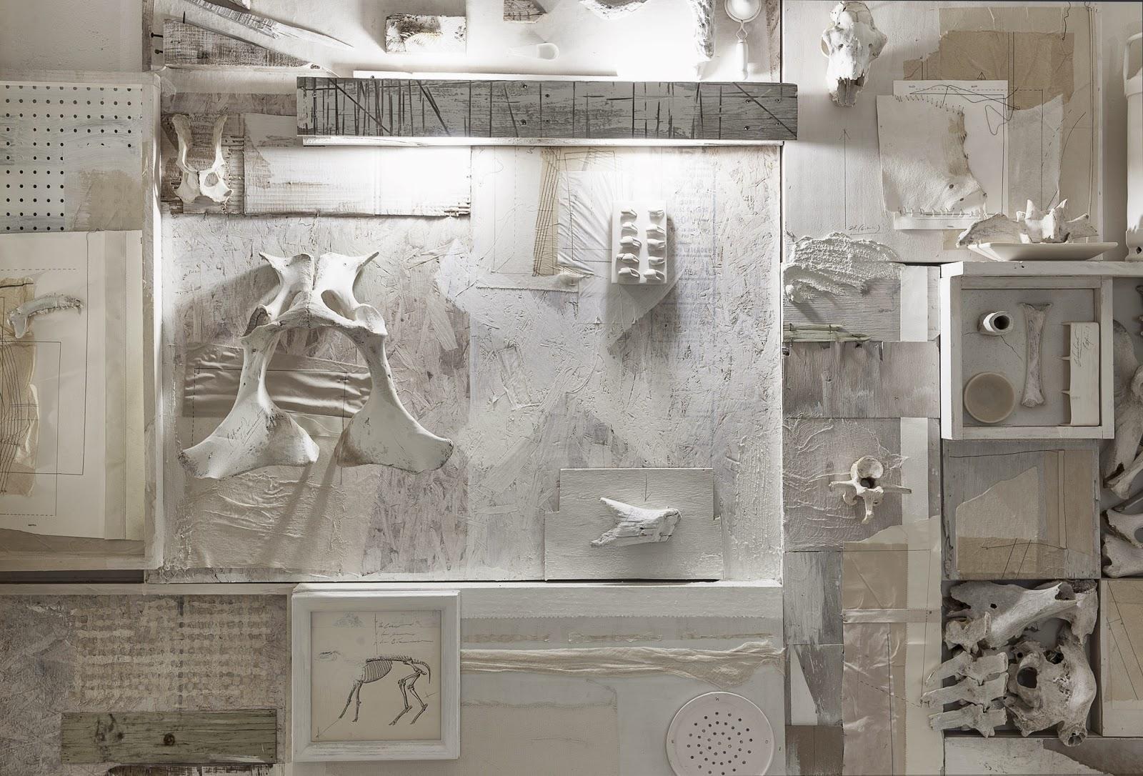gaya-interior-dan-dekorasi-unik-ribuan-tulang-hewan-di-rumah-makan-Hueso-013