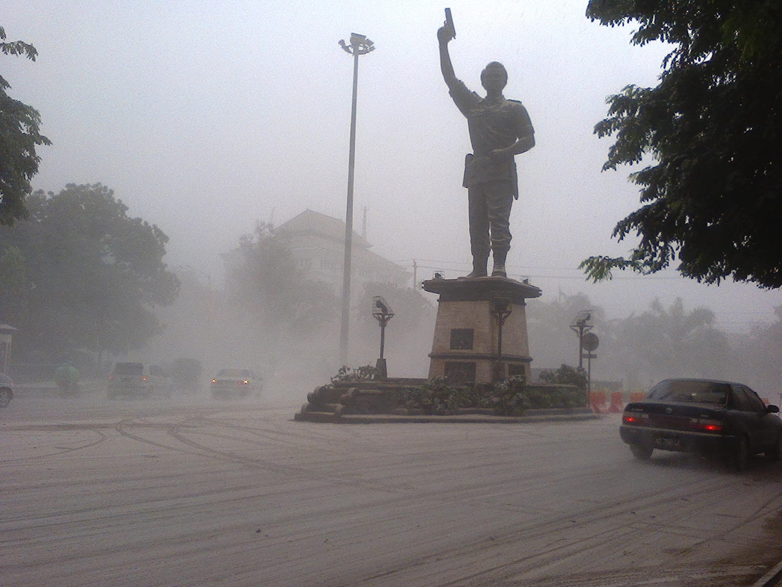 Hujan Abu di Solo