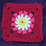 Freya&#39;s Pink Daisy Blanket