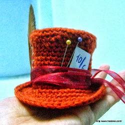 2000 Free Amigurumi Patterns: Mini Mad Hatter