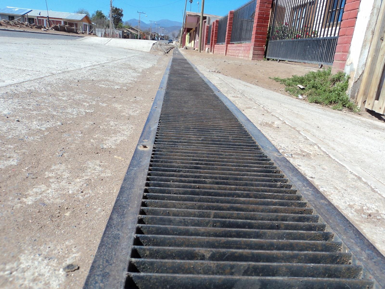 Gmetales rejillas para canaletas de desag e for Drenaje de jardin