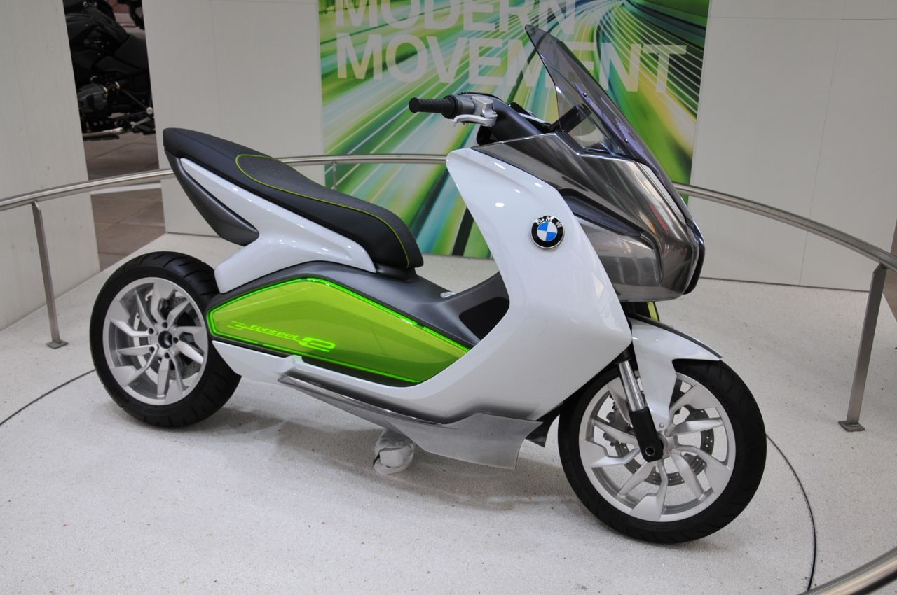 bmw motorrad concept e is zero emission two wheeled travel. Black Bedroom Furniture Sets. Home Design Ideas