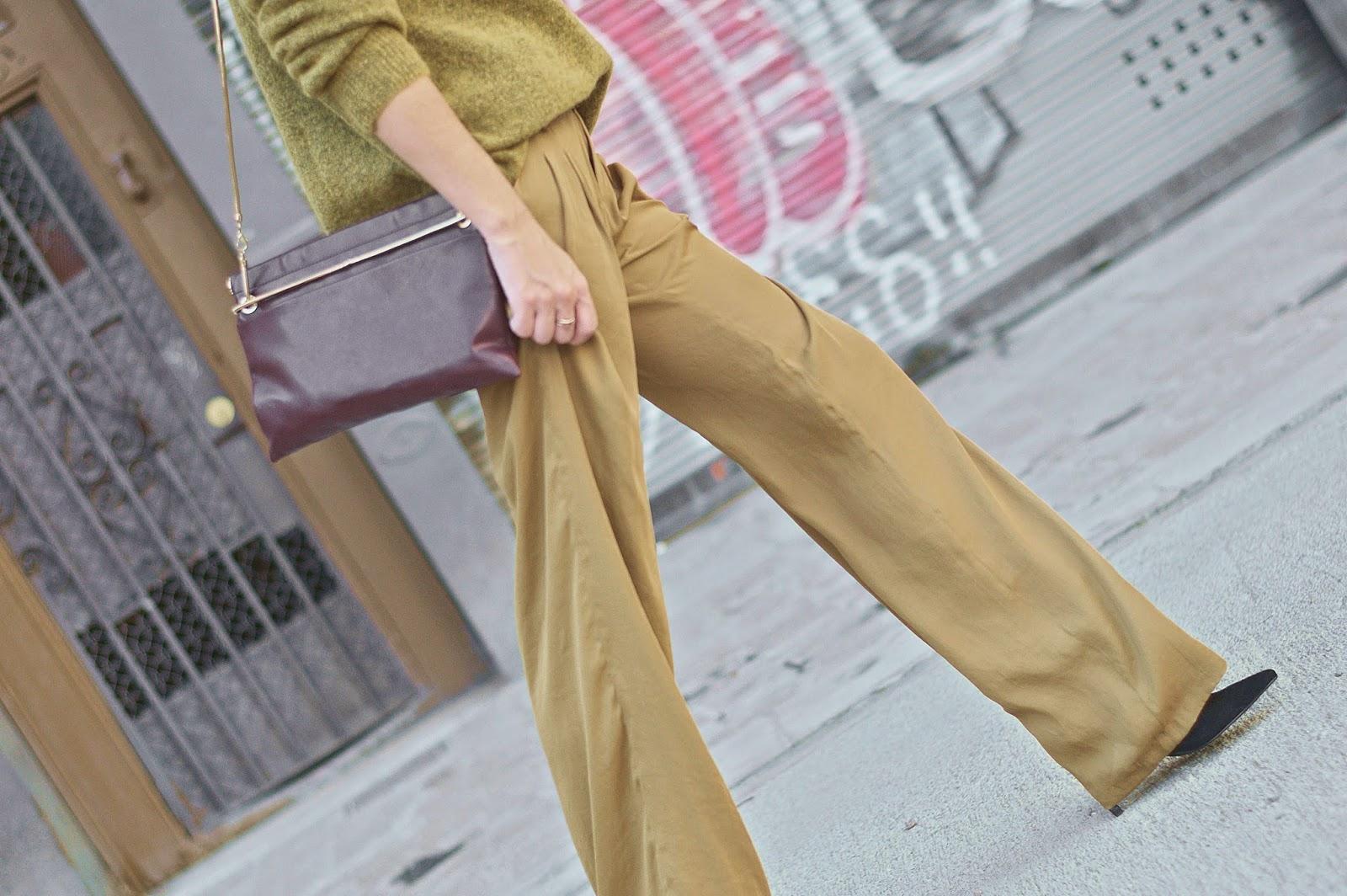 Jersey H&M, pantalones Zara, bolso y tacones Mango