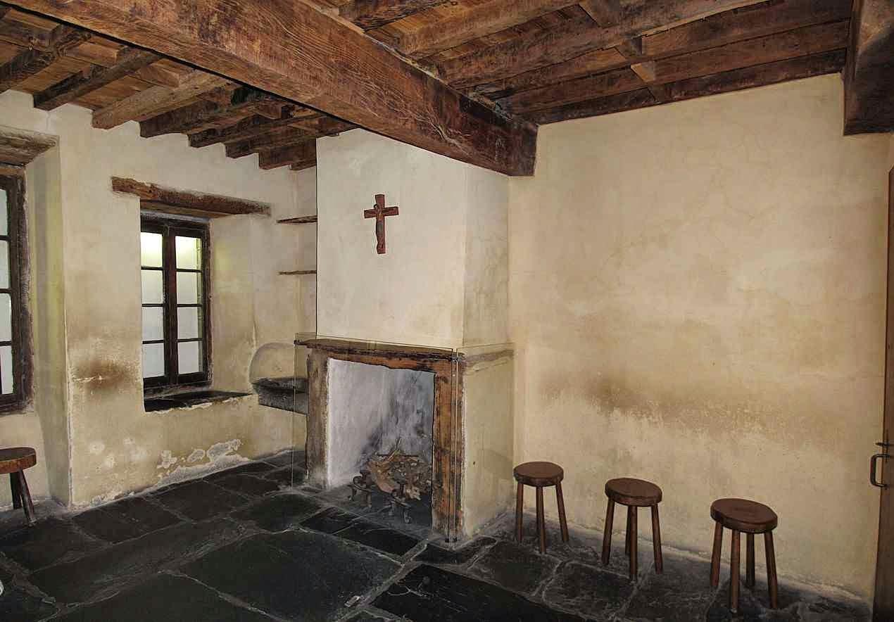 Cela onde morava a família de Santa Bernadette na época das aparições