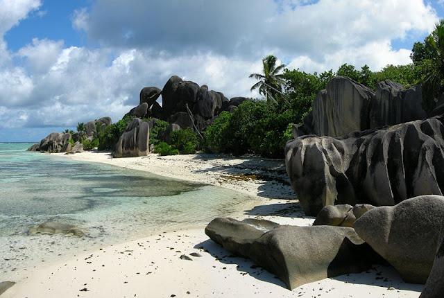 Best see view of Dangerous place la digue, seychelles download Latest Best Beach Photos 2012