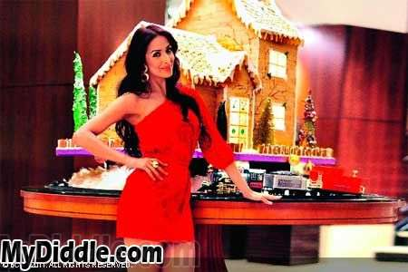 Bollywood Actress Malaika Arora in Red Santa Dress1 - Malaika Arora Khan in Red Dress for Christmas Celebrations